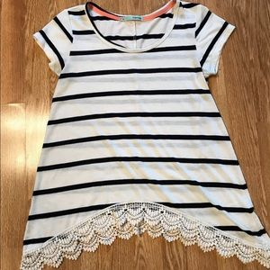 Maurices Ladies Top Size M